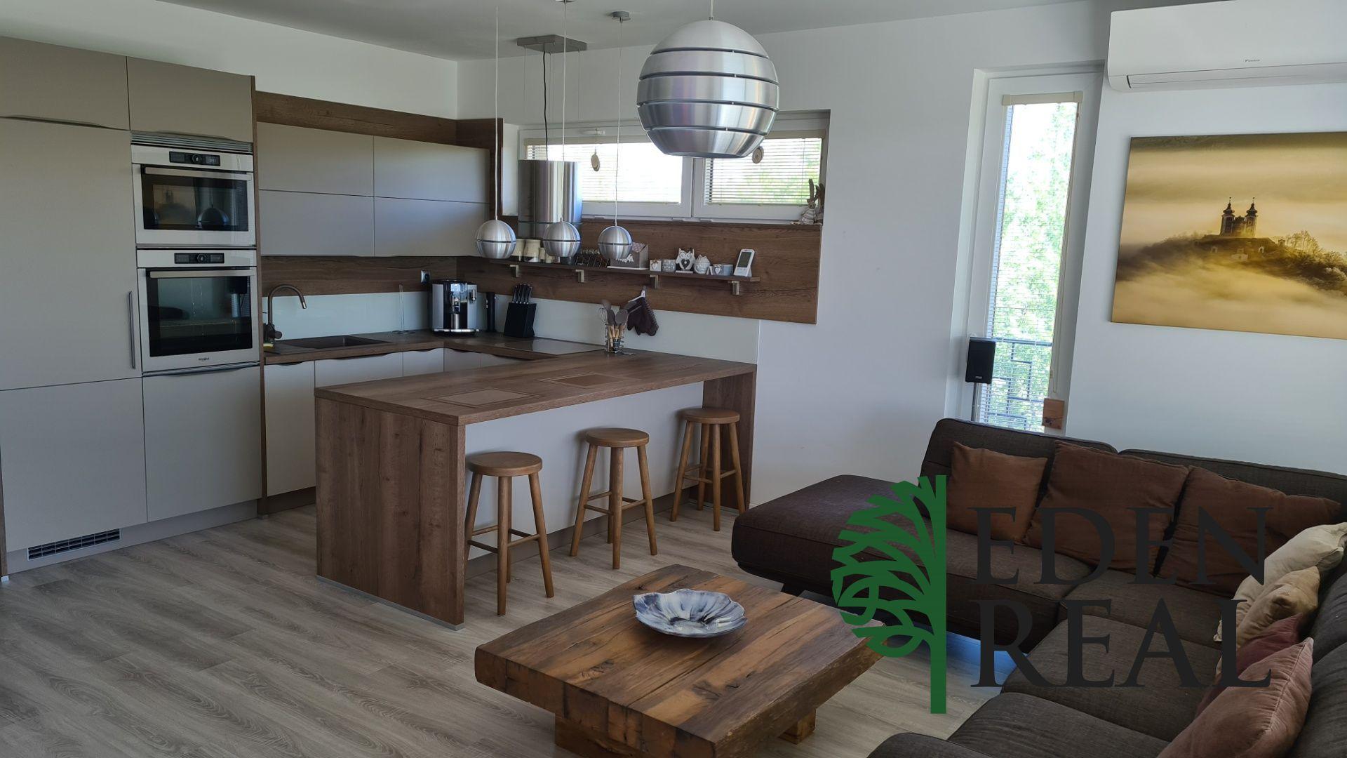 Novostavba 4-izbového bytu s 2 loggiami, garážovým a parkovacím státím v cene